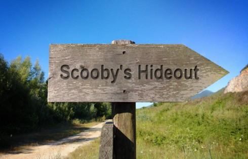 Scoobys Hideout sign